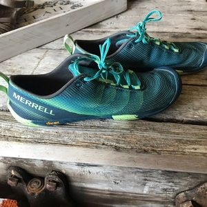 Merrell minimalist sneaker in blue and green. 9.5